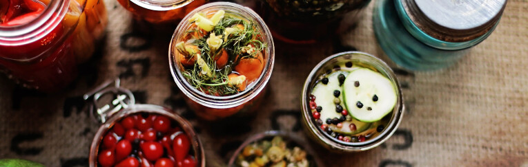 Ingemaakte groenten en kruiden