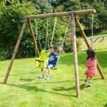 Schommel Tiago 242 x 166 x 195 cm - hout - tot 3 kinderen